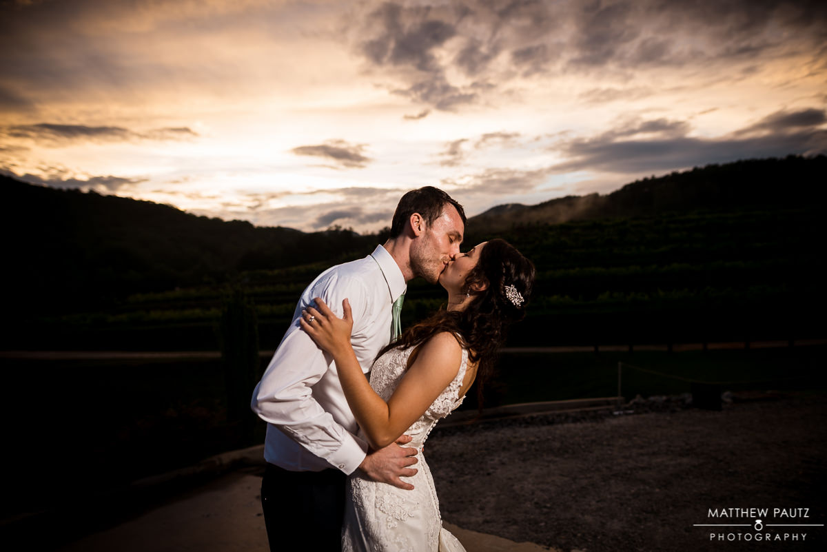 Victoria Valley Vineyards Sunset Wedding Photos