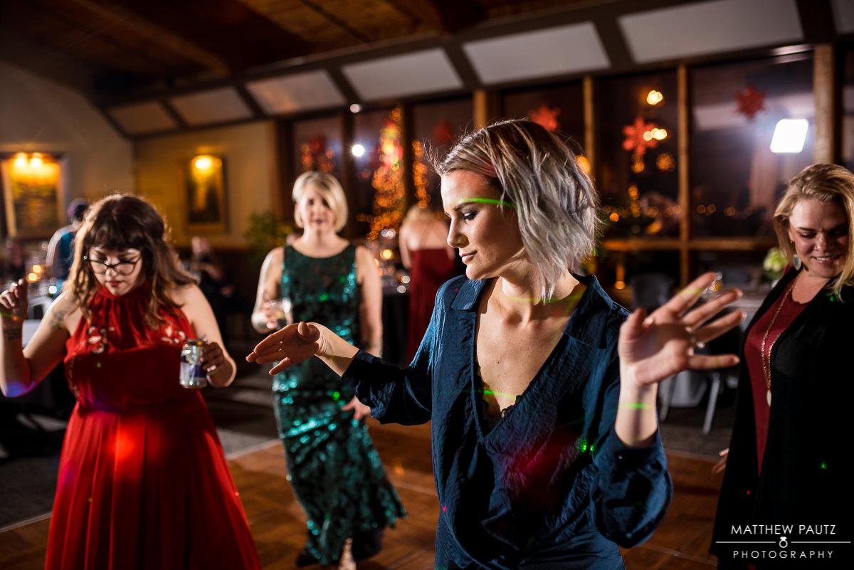 Crest Center wedding reception photos | wedding guests dancing
