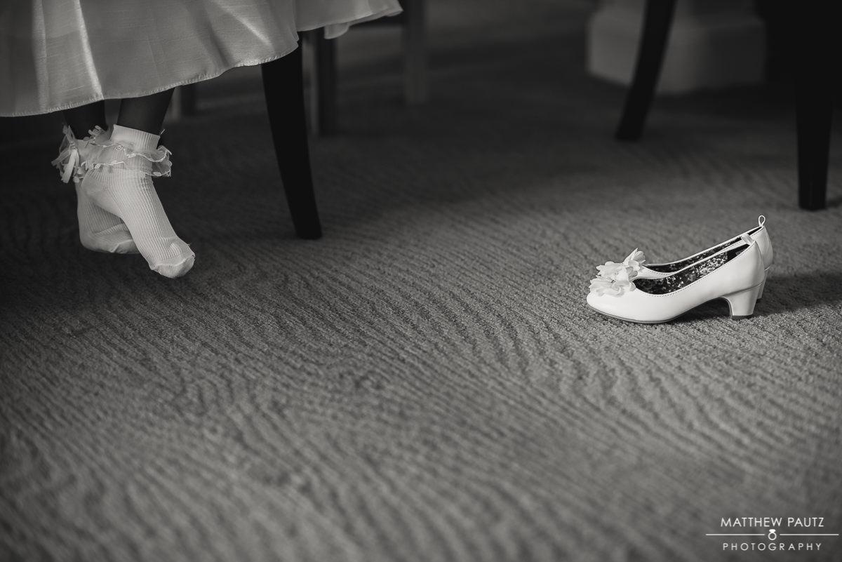 Flower girl barefoot