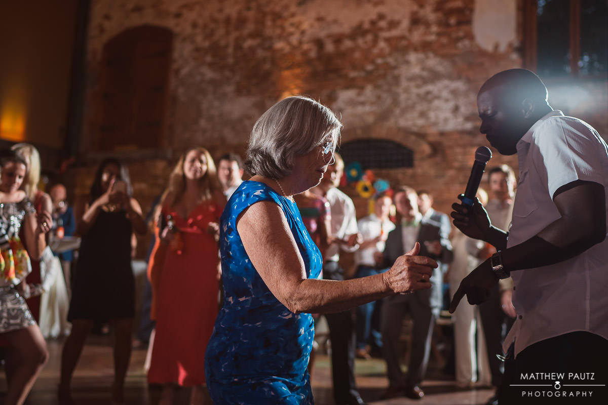 guests dancing with Finesse live band