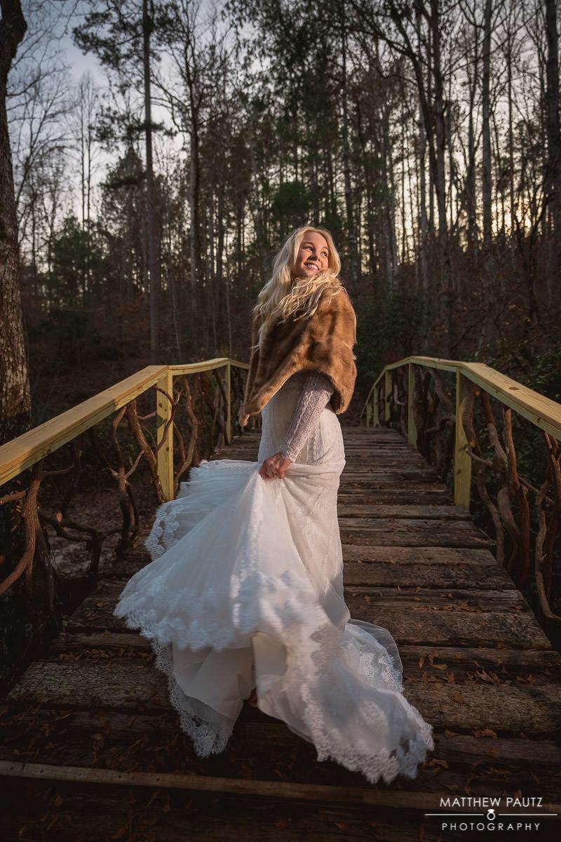 outdoor bridal photos in winter