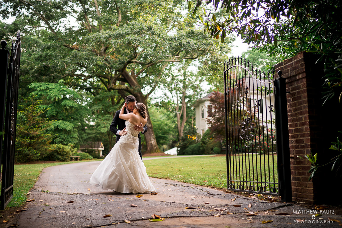 Wedding photos at the duncan estate in Spartanburg sc