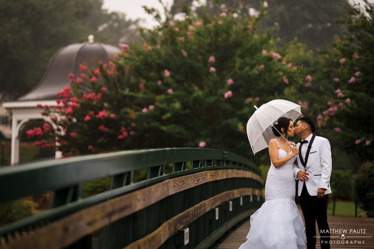 wedding photos in the rain at Cleveland Park in Spartanburg SC