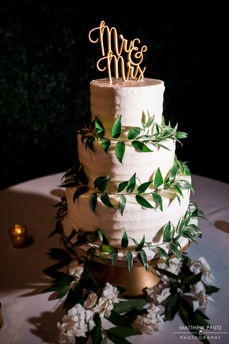 Holly's Cakes wedding cake