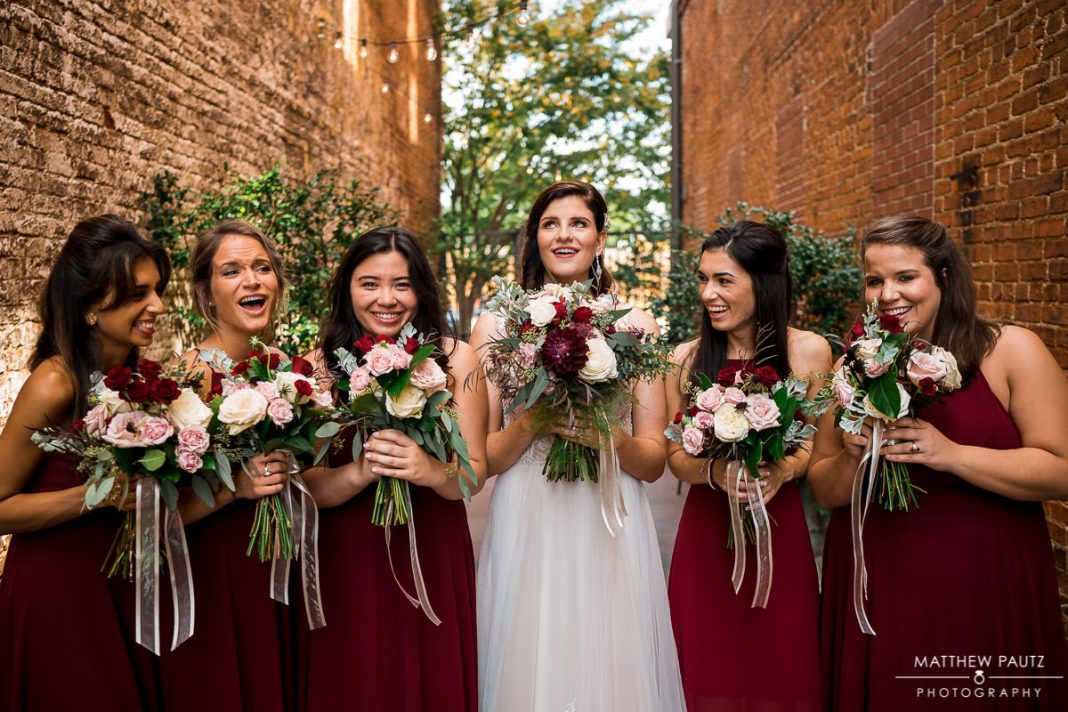 bridesmaids group photos at bleckley inn