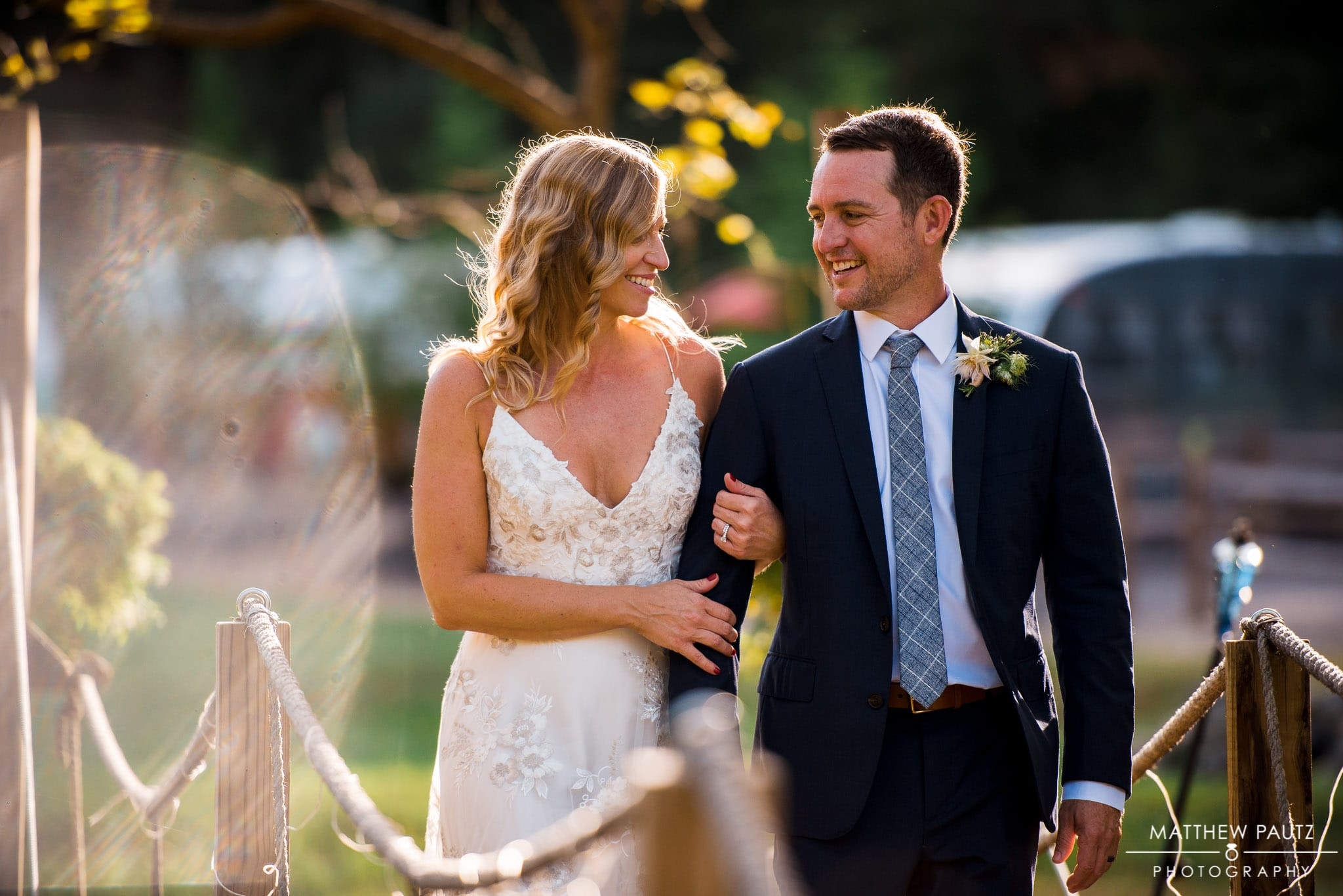 Outdoor wedding photos in Fall at Junebug Retro resort