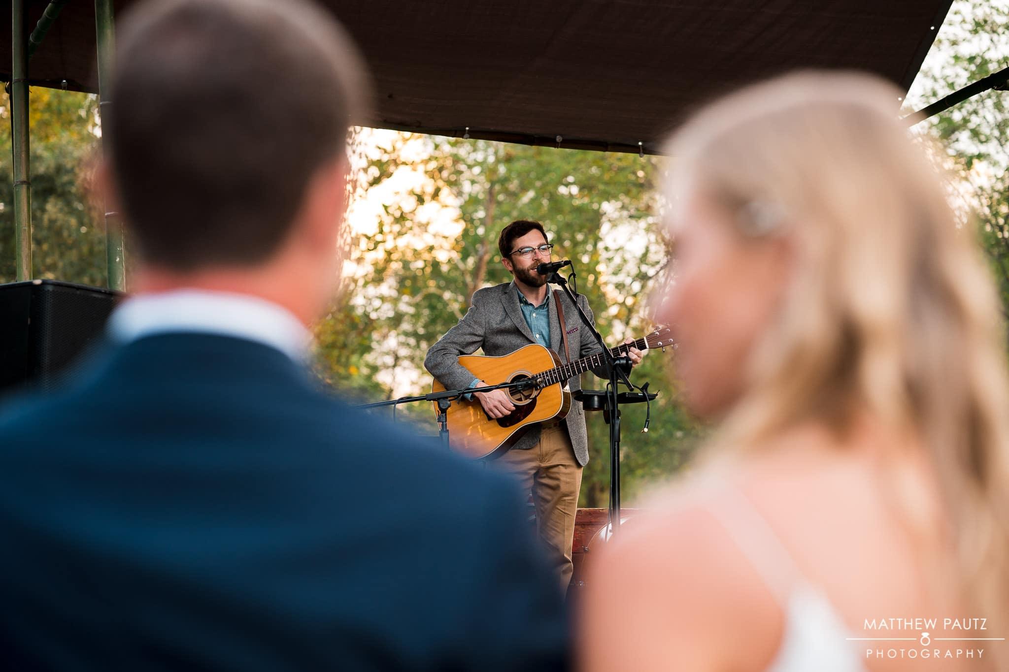 live music at wedding reception